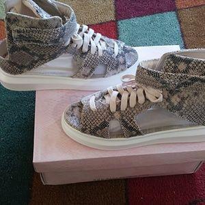 Snake skin peep toe sneakers